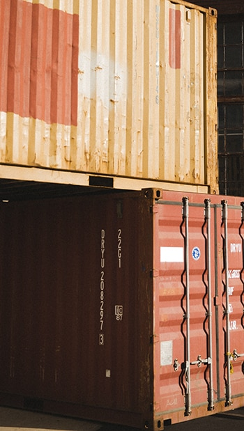grouper plusieurs containers