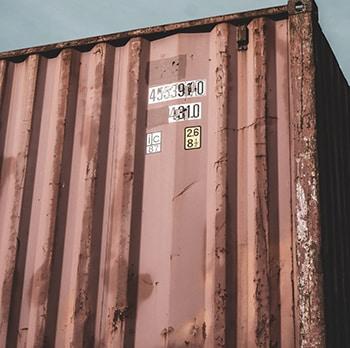 utiliser un container comme abri pour la survie